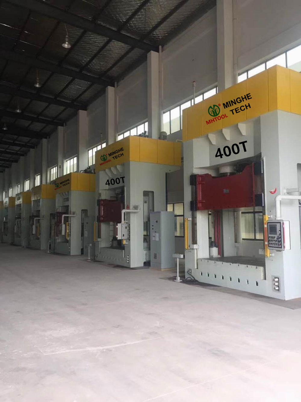 024-MingHe-Four-Column-Gantry-Stamping-Drawing-Hydraulic-Press-1-(6)400T
